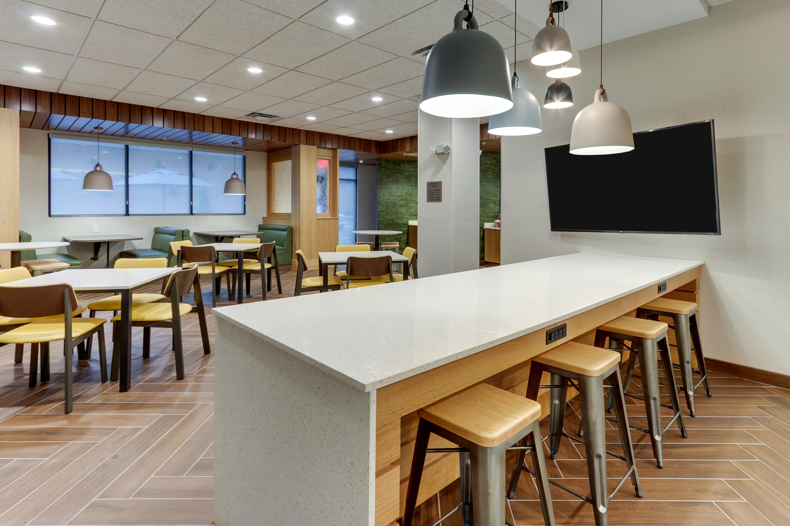FF_AVLFW_Dining Area 02