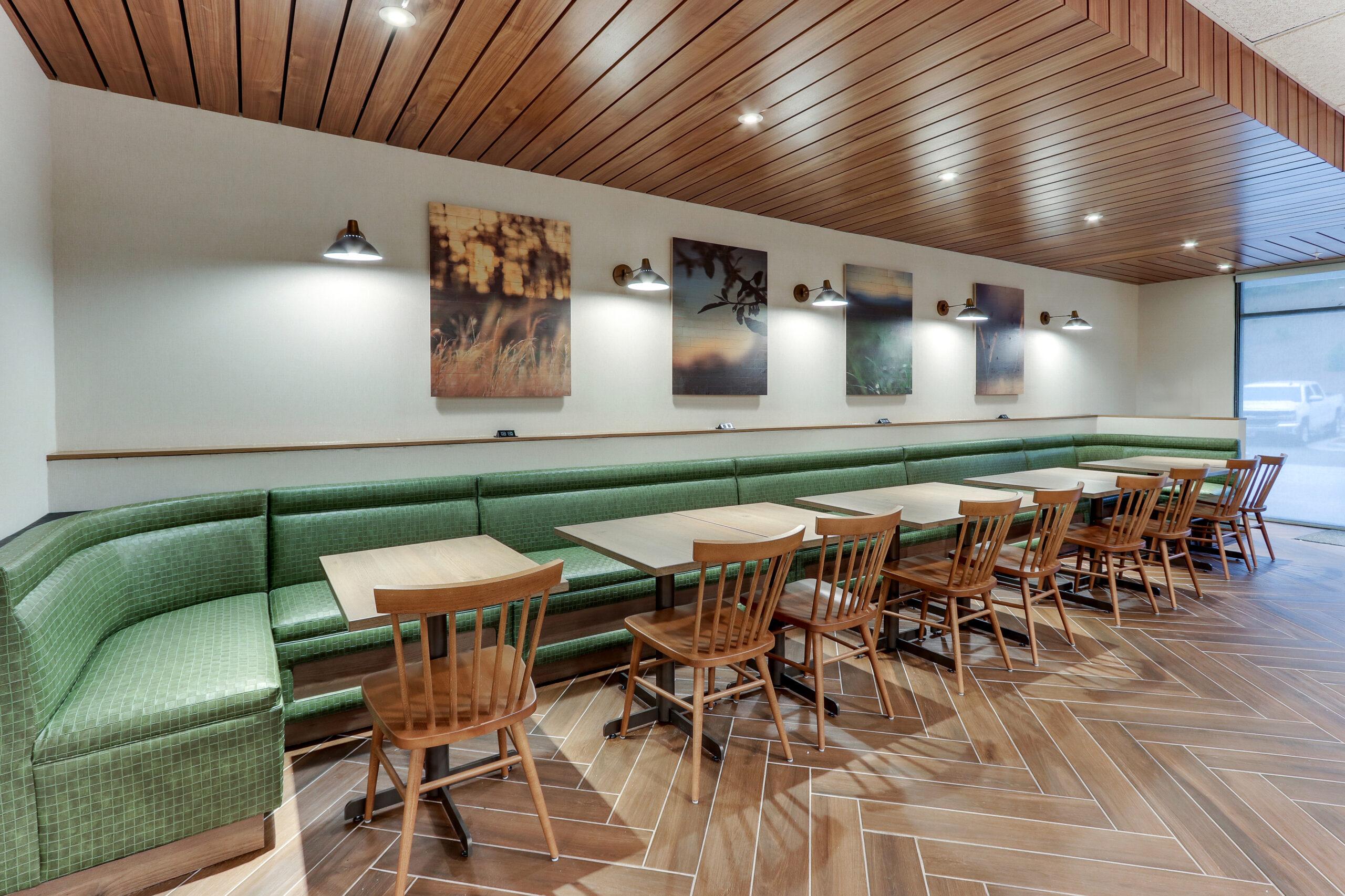 FF_AVLFW_Dining Area 04