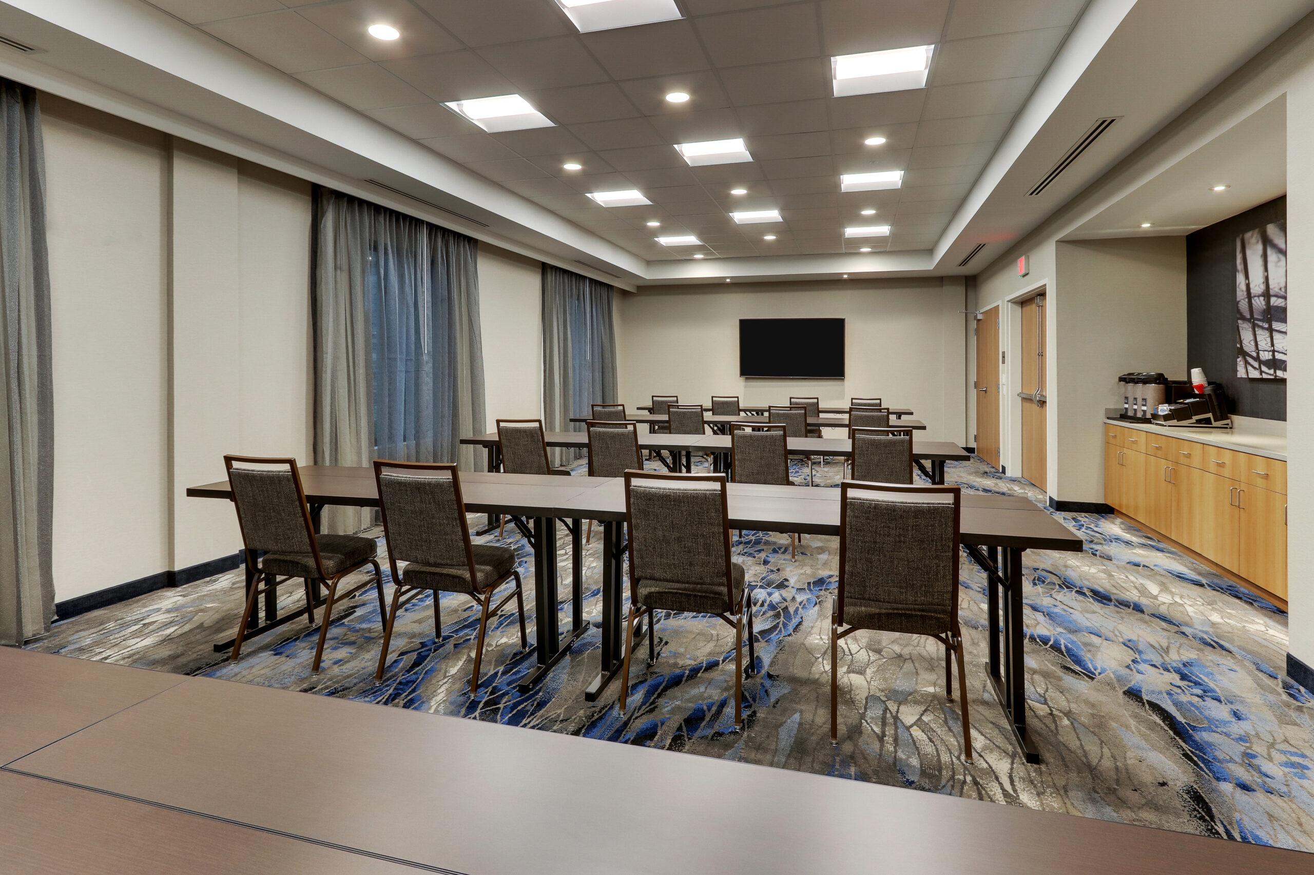 FF_AVLFW_Meeting Room 01